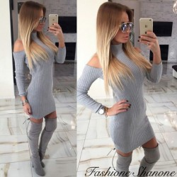 Grey dress with uncovered shoulders