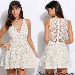 Fashione Shanone - Lace dress with lace-up