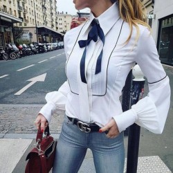Fashione Shanone - Shirt with blow tie