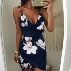 Fashione Shanone - Plunging neckline floral dress