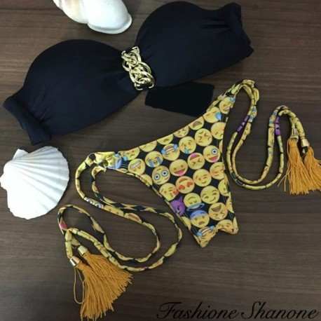 Black and smiley brazilian bikini with gold chain