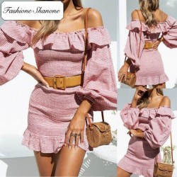 Fashione Shanone - Pink dress with Bardot neckline