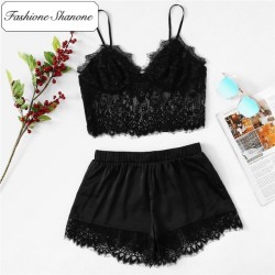 Fashione Shanone - Pyjama top en dentelle et short en satin