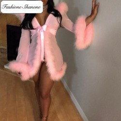 Fashione Shanone - Matching thong and fur dressing gown set