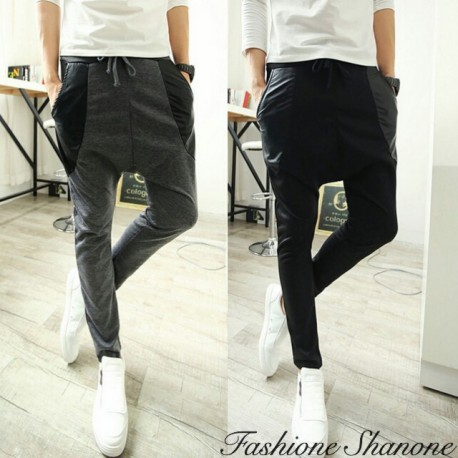 Jogging pants with leather pockets